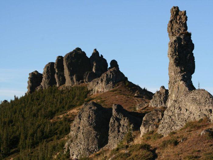 muntii calimani, megalitii din muntii calimani, poteca celor 12 apostoli