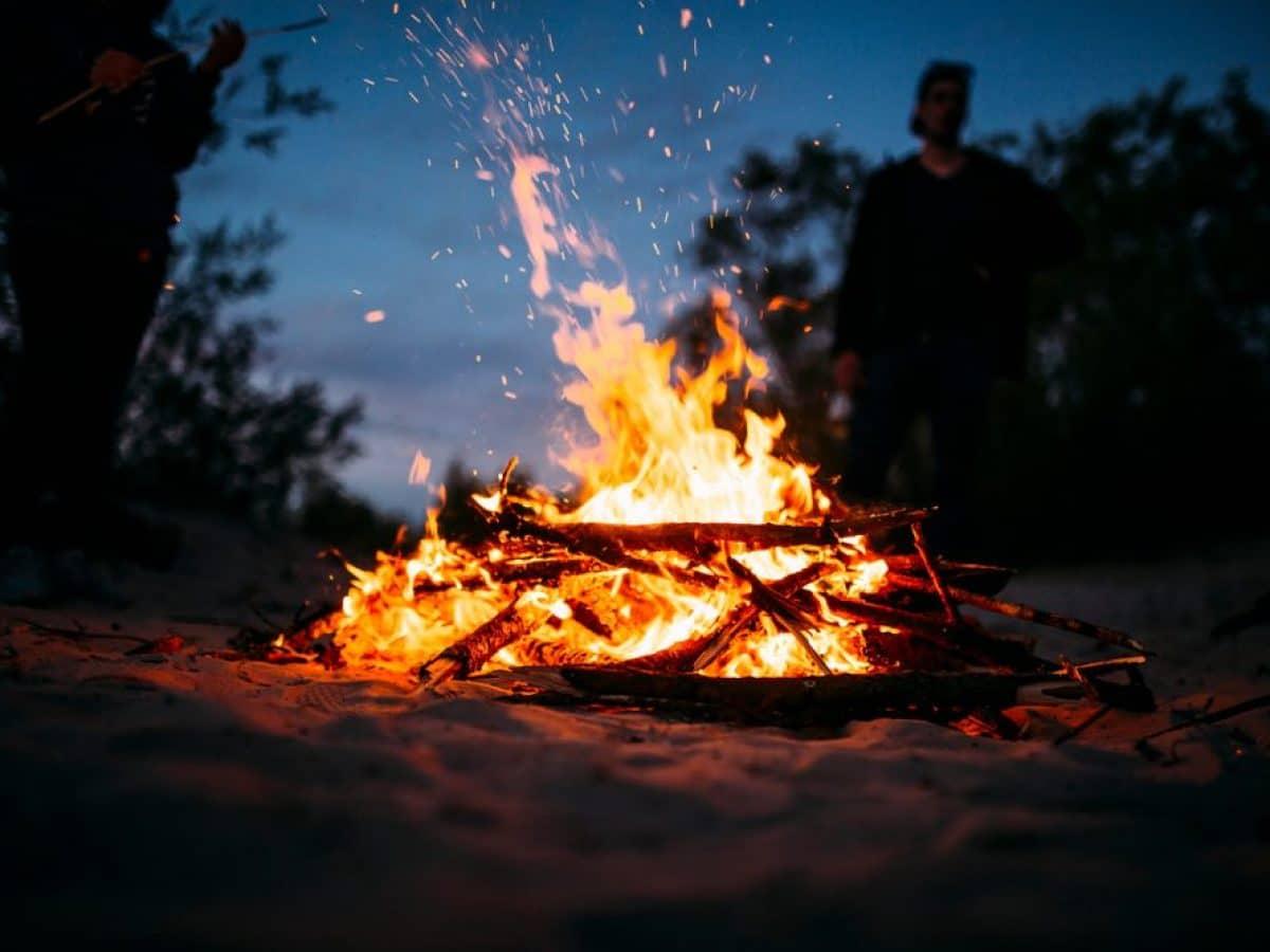 rotocol de foc, inel de foc, foc de tabara